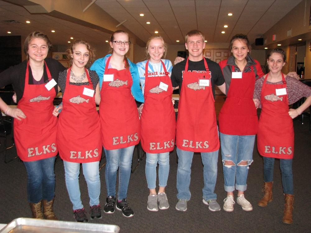 Lenten Fish Fry High School Volunteers