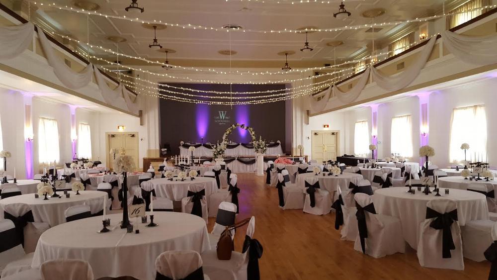 Ballroom with lighting options