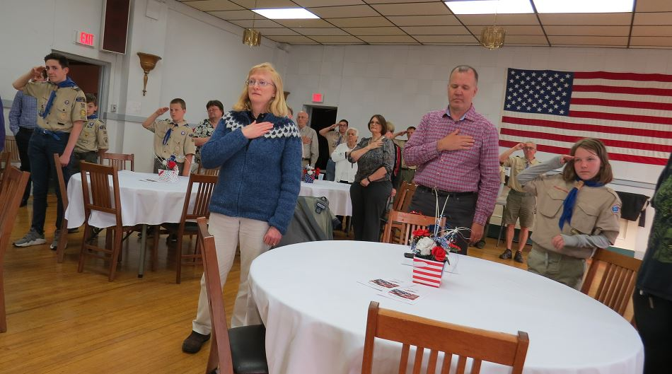 Elks and guests reciting The Pledge of Allegiance