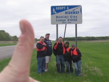 It's the 2007 highway cleanup crew! From left to right: Pending member Justin Retzer, D.D. Keith Marek, Leading Knight Eric Hedeen, Dre Hendrickson and new member Kristy Pottratz. Oh, and Bar manager Holly Hedeen's thumb. Someone had to take the picture...also involved were David and Candace West and Lisa Habermann.