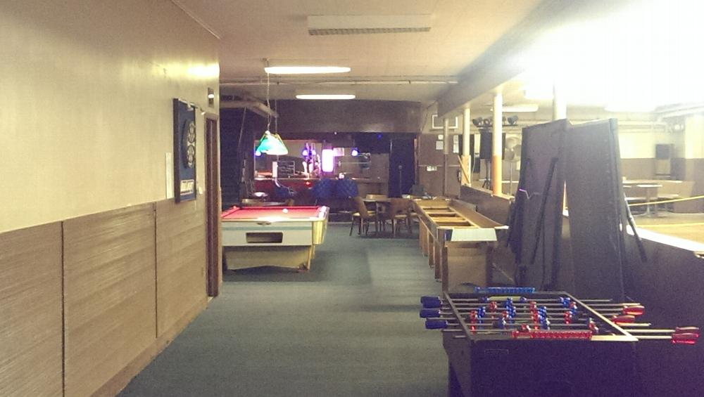 Members Lounge (long view) bowling alley side