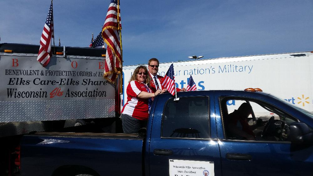 WEA State President Rob Radig & First Lady Michelle being driven by Jason Somers
