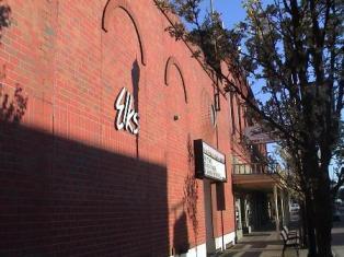 http://www.elks.org/SharedElksOrg/lodges/images/1950_ElksFront.JPG
